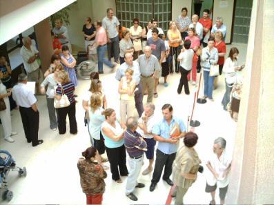 centro salud genérico público sala espera