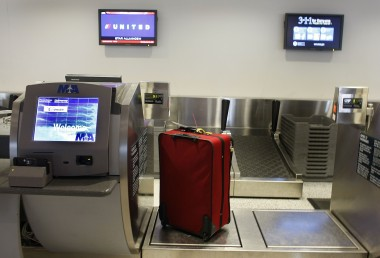 United Becomes Second Major Airline To Charge For First Checked Bag