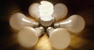 si-no-lo-has-hecho-ya-cambia-tus-bombillas-antiguas-por-las-de-bajo-consumo-corbis